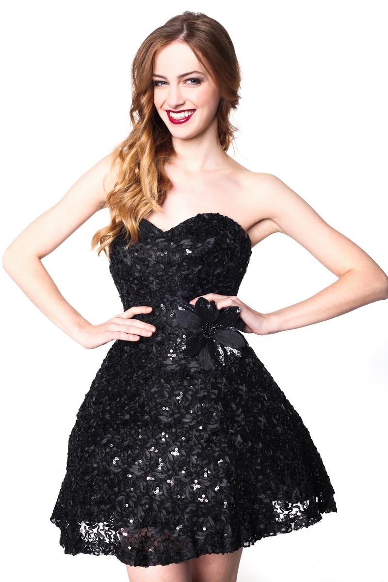 sukienka wyszywana cekinami 1