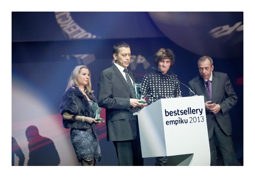 Dawid Podsiadło odbiera nagrodę w kategorii Wydarzenie Roku-004-2014-02-06 _ 14_58_12-75