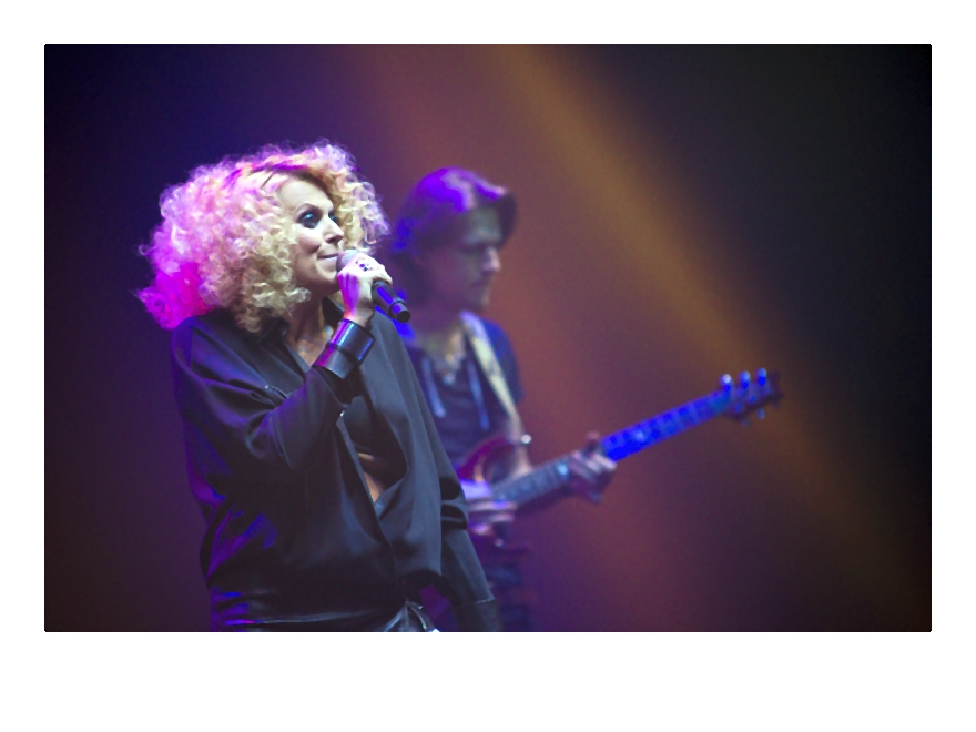 Marysia Sadowska na scenie-012-2014-02-06 _ 14_58_12-75