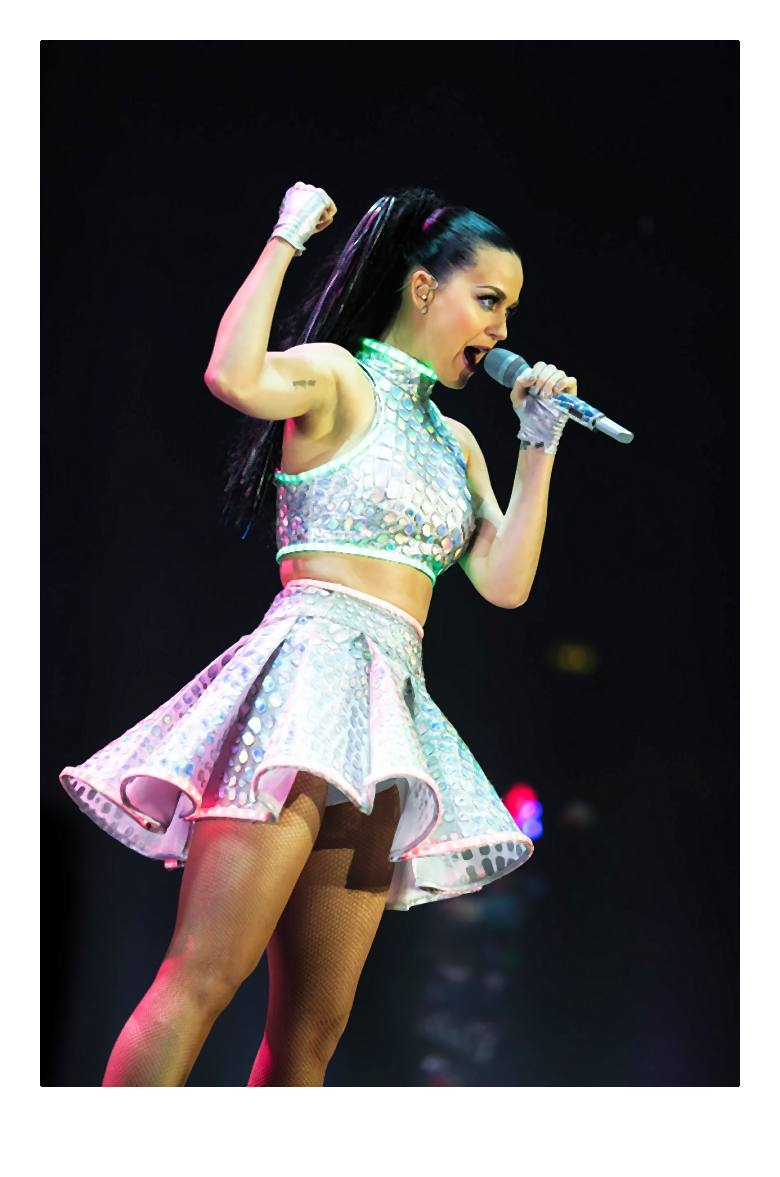 Katy_Perry_Claires_2-003-2014-06-09 _ 20_24_36-72