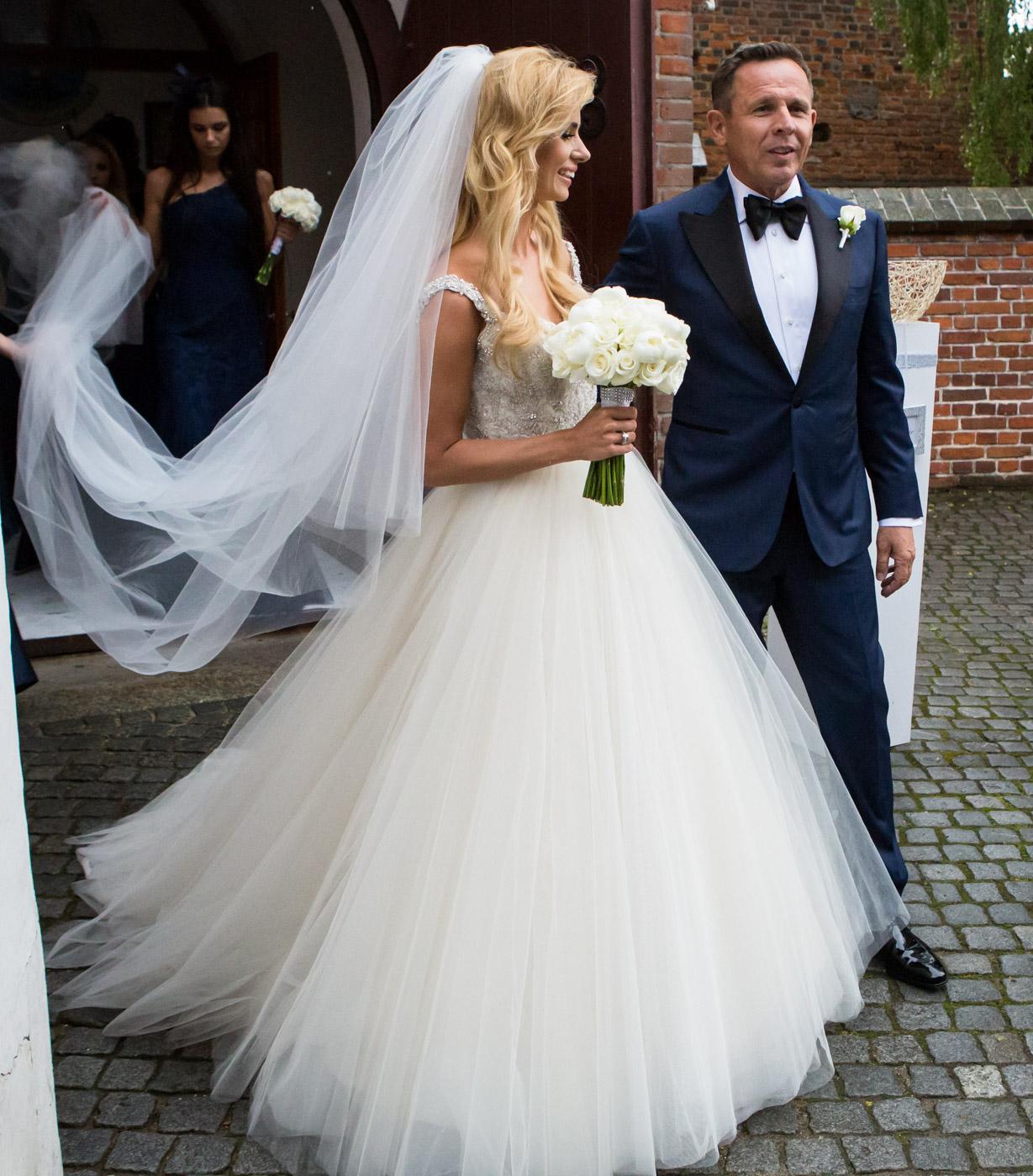 Ślub Izabeli Janachowskiej i Krzysztofa Jabłońskiego zobacz trzy  wyjątkowe suknie ślubne!