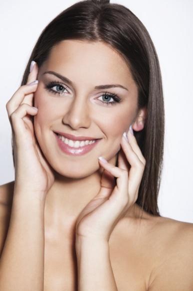 Odmładzająca moc kolagenu LIFESTYLE, Uroda - Zauważasz pierwsze oznaki starzenia? Twoja skóra traci blask i elastyczność? Nie wiesz jak temu przeciwdziałać? Teraz dzięki przełomowemu kolagenowi Linerase, odzyskanie młodego wyglądu i zatrzymanie procesów starzenia będzie jeszcze łatwiejsze!