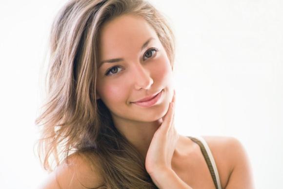 W jakim wieku jest Twoja skóra? Sprawdź! Zapraszamy na Dzień Otwarty! LIFESTYLE, Uroda - Chciałabyś zobaczyć jaki jest stan twojej skóry z bliska? Interesuje Cię, jak będziesz wyglądać za 5-7 lat? Zapraszamy na Dzień Otwarty w klinice Estetica Nova!
