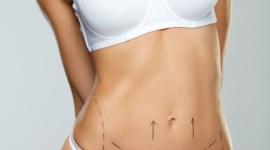 Powiększenie piersi – implanty, czy lipofilling? LIFESTYLE, Uroda - Powiększenie piersi to częste marzenie wielu kobiet. Zanim jednak zdecydujemy się na powiększeniu piersi, warto sprawdzić jakie nowoczesne metody oferuje nam medycyna estetyczna.