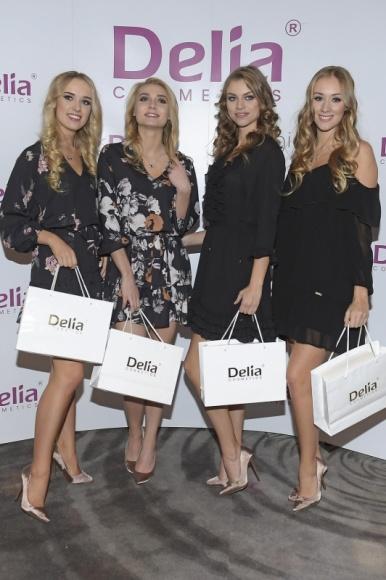 Konferencja prasowa z finalistkami konkursu Miss Polonia 2017 Delia Cosmetics o LIFESTYLE, Uroda - W piątek, 17 listopada, w Hotelu Narvil Conference&SPA odbyła się konferencja prasowa konkursu Miss Polonia 2017. Podczas tego wydarzenia zaprezentowały się wszystkie finalistki wyborów. O makijaże laureatek zadbała marka Delia Cosmetics, a o fryzury marka Cameleo.
