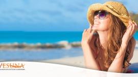 Jak zadbać o skórę po wakacjach? LIFESTYLE, Uroda - Piękna opalenizna, nad którą pracujemy w trakcie wakacji niesie też często negatywne konsekwencje dla naszej skóry. Przesuszona, przebarwiona, pozbawiona blasku cera to częsty problem, z którym musimy zmagać się po powrocie z urlopu.