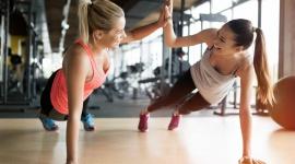 Czy powiększenie piersi to przeszkoda w aktywności fizycznej? LIFESTYLE, Uroda - Bez sportu i regularnego ruchu niektóre z nich nie wyobrażają sobie życia. Zabieg wszczepienie implantów wymaga czasu rekonwalescencji.Jak szybko pacjentka może wrócić do aktywności fizycznej?