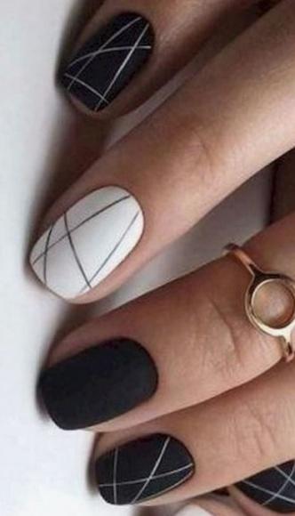 5 hot trendów w manicure na Sylwestra i Karnawał LIFESTYLE, Uroda - Jaki manicure najlepiej dopełni nasz wygląd w ten wyjątkowy czas – radzą eksperci z Time for Nails.